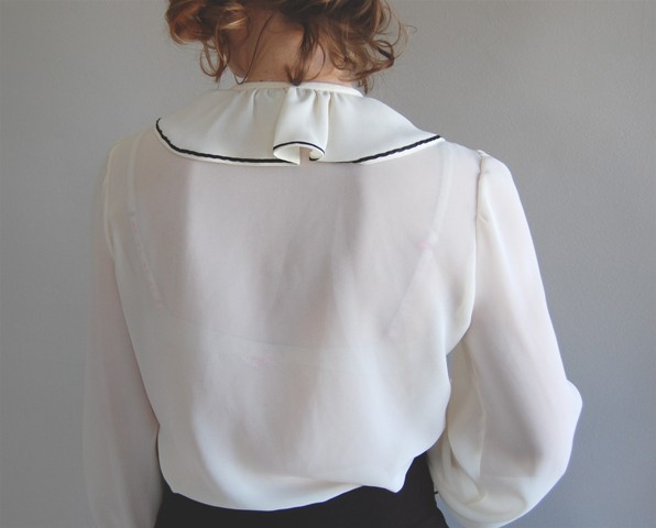 Eggshell ruffle blouse, by Dear Golden vintage, 2