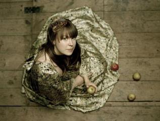 AlessisArk-applepromopic2008-9-1