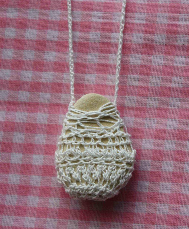 Crochetedstonenecklacebymimistrawber (4)